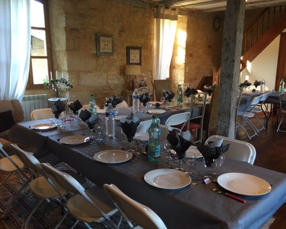 Repas salle du gîte Montfort 30 places