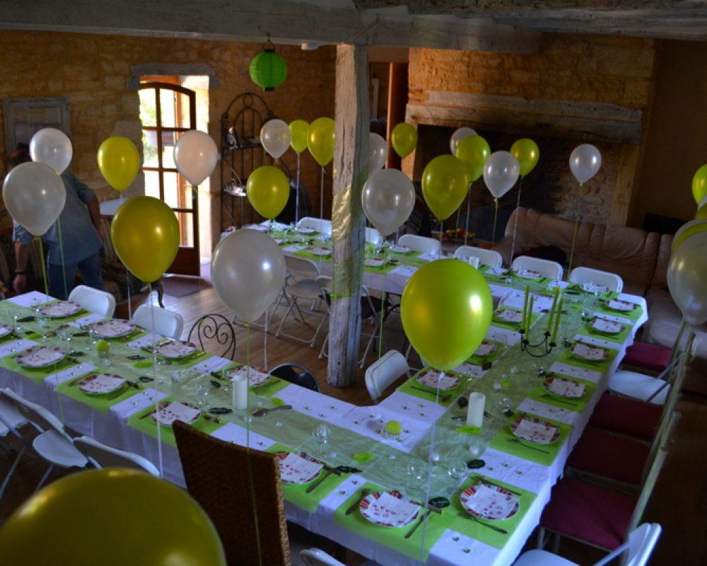 Table de fête au gîte Montfort