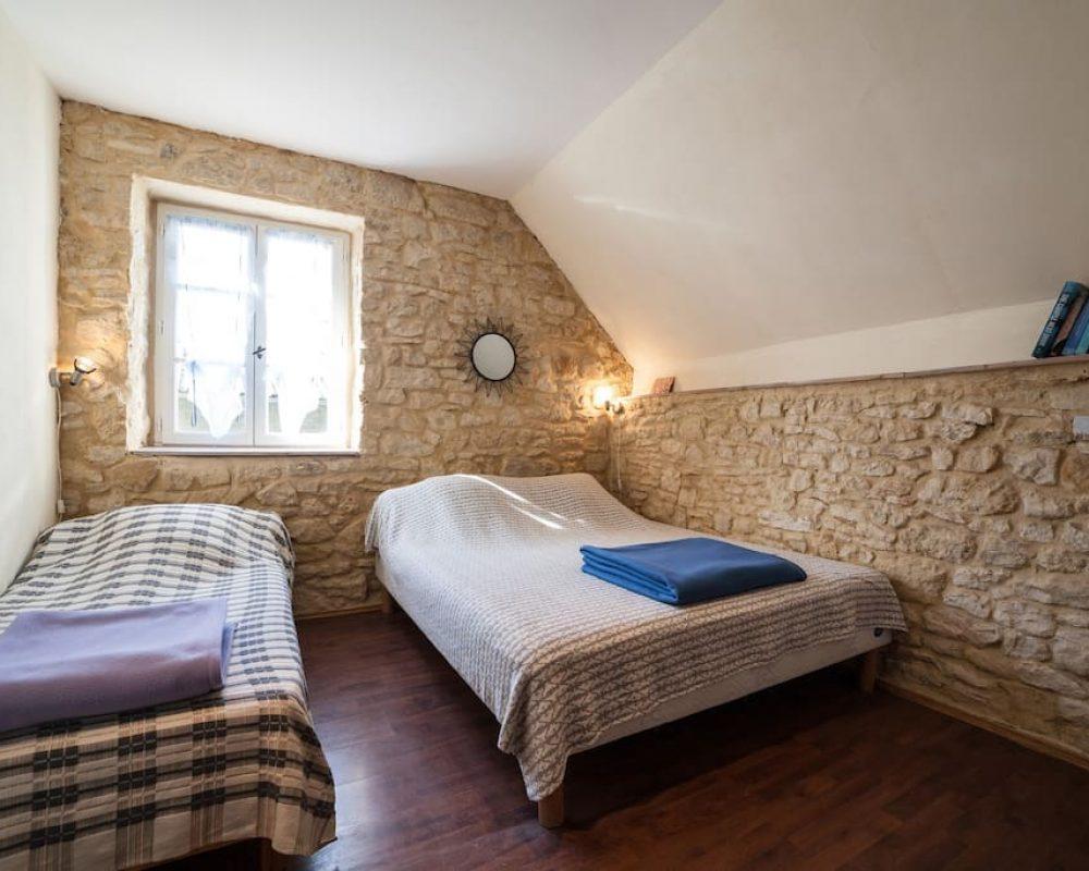 gite-sarlat-beynac-chambre-3-personnes